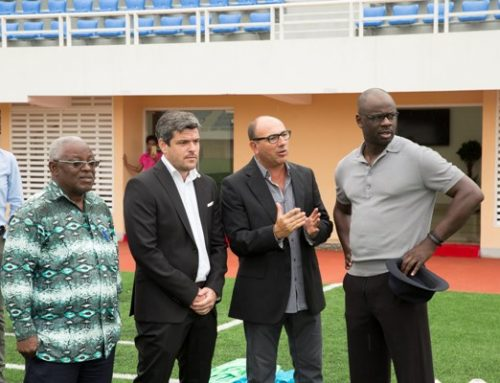 A Academia de Futebol de Angola Promove Encontro entre o Campeão do Mundo Lilian Thuram e os Jovens Atletas